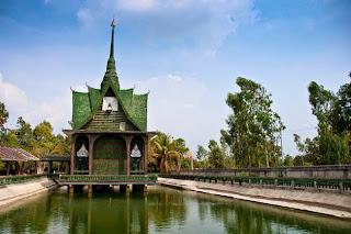 Este templo fue creado usando algo que te dejara con la boca abierta