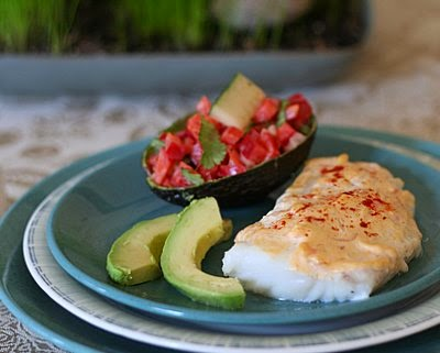 Easy Baked Fish with Red Pepper & Cucumber Salad ~ another QuickSupper from KitchenParade.com, just pantry ingredients and on the table in 30 minutes ~ Low carb and Weight Watchers PointsPlus 3