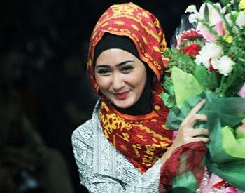 Konsep Hijab Terbaru Dian Pelangi