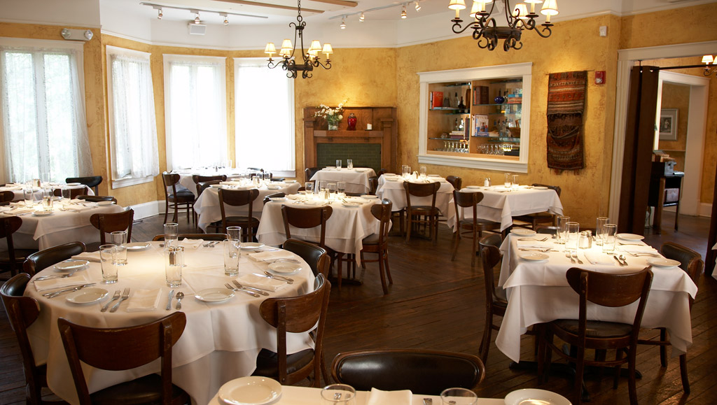 Top 5 romantic restaurants in the u s restaurant business for Romantic restaurants in california