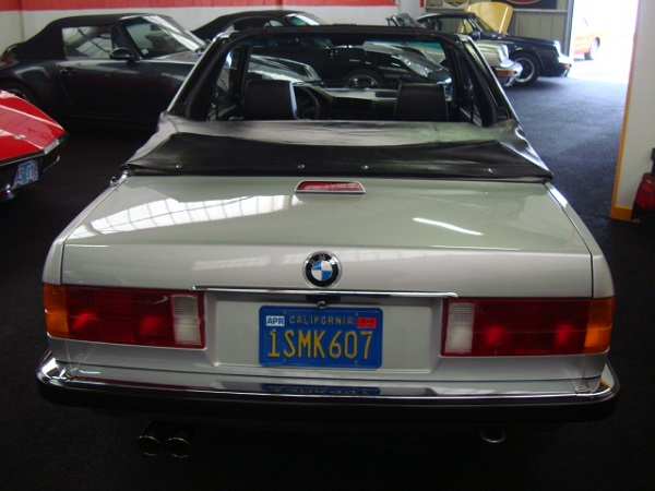 baurspotting beautiful 1984 320i in france with california plates. Black Bedroom Furniture Sets. Home Design Ideas