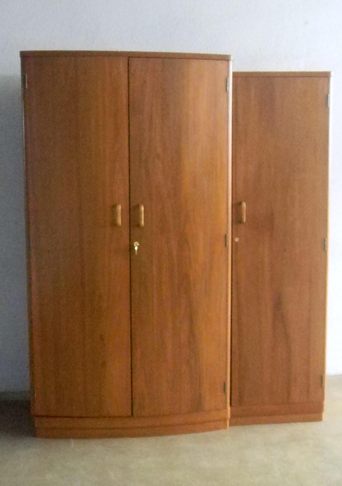 http://4.bp.blogspot.com/-cK_ZtRWAwUw/UNgULe3TXQI/AAAAAAAANlk/HdrVkIQ4V54/s1600/wardrobe+3-+door+art+deco+2.JPG