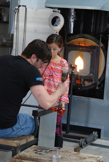 Making a blown glass ornament