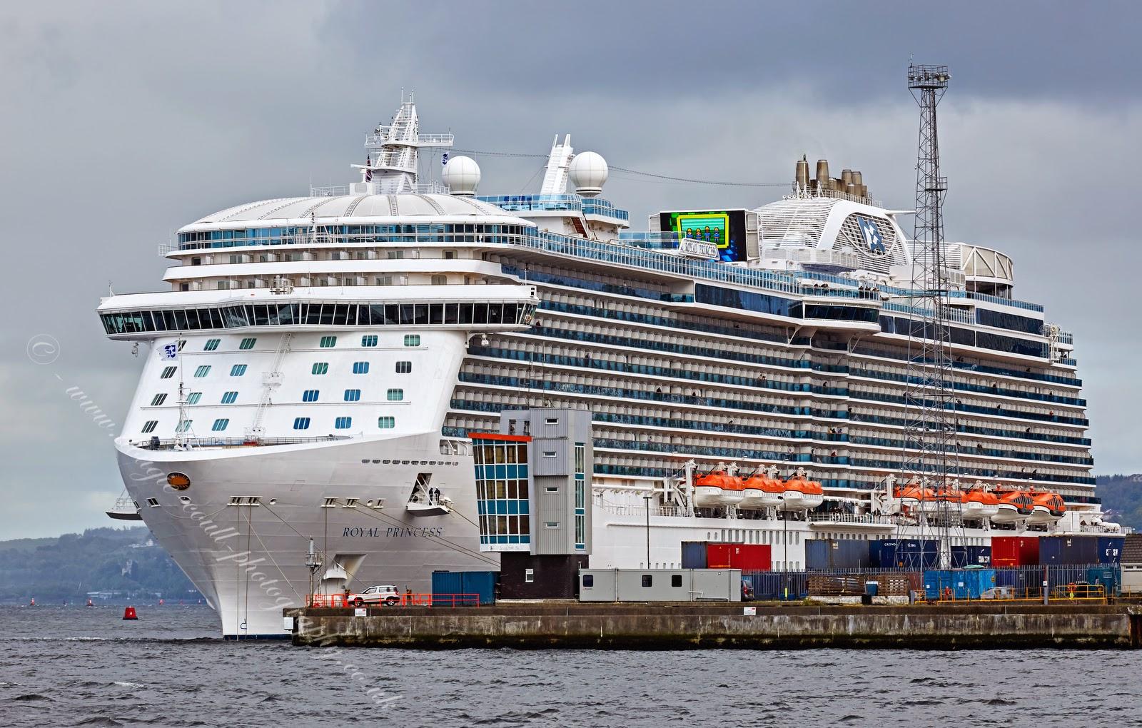 Dougie Coull Photography Royal Princess Departing Greenock - Cruise ships at greenock