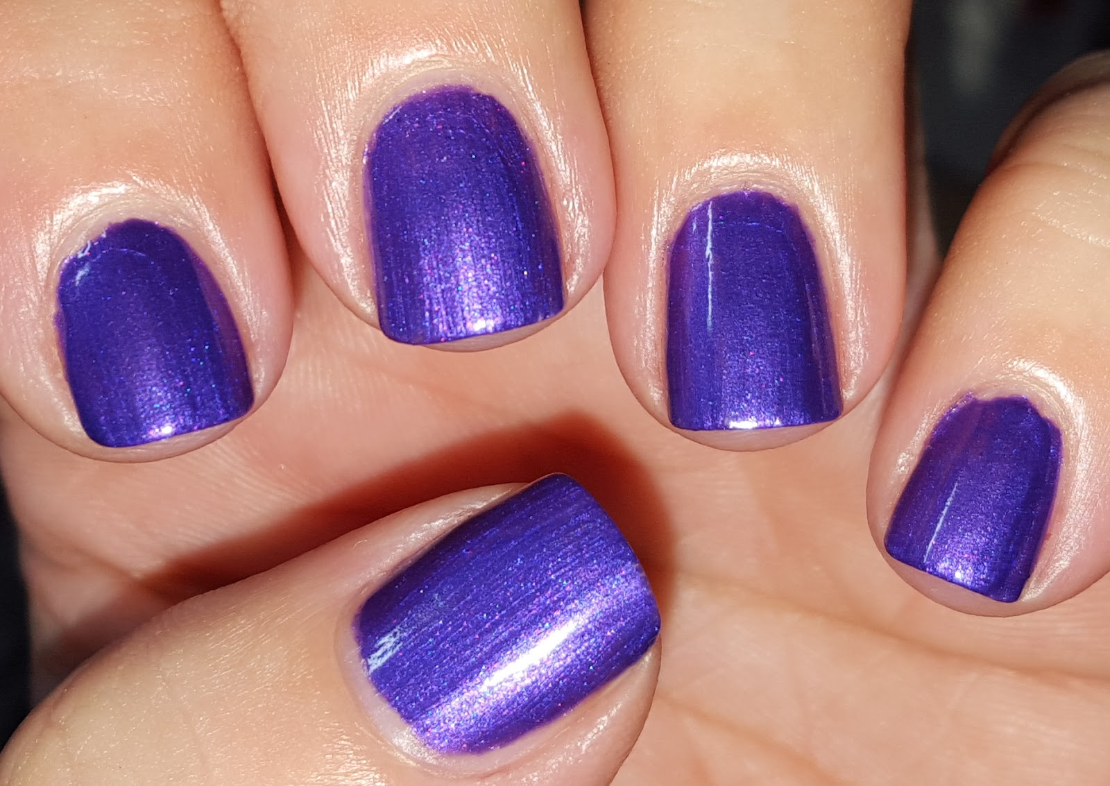 Purple sparkly nails