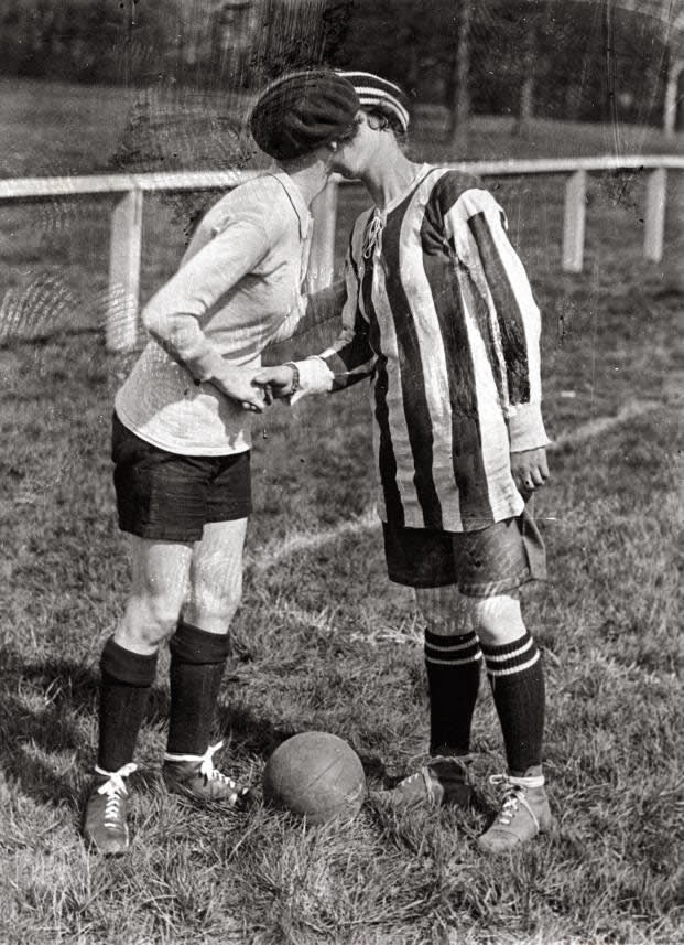 Partido de fútbol femenino 1920