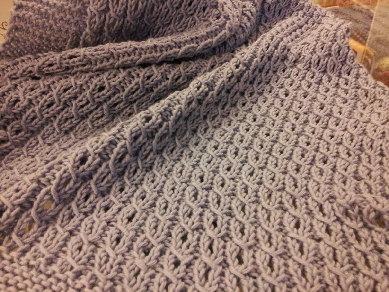 Yo tejo nosotras tejemos 27 manta de beb con ochos for Colchas de punto de lana