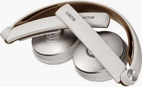 Sony MDR-S70AP Wired Headphones (White, Over the Head) worth Rs.4490 for Rs.1999 Only @ Flipkart (Lowest Price)
