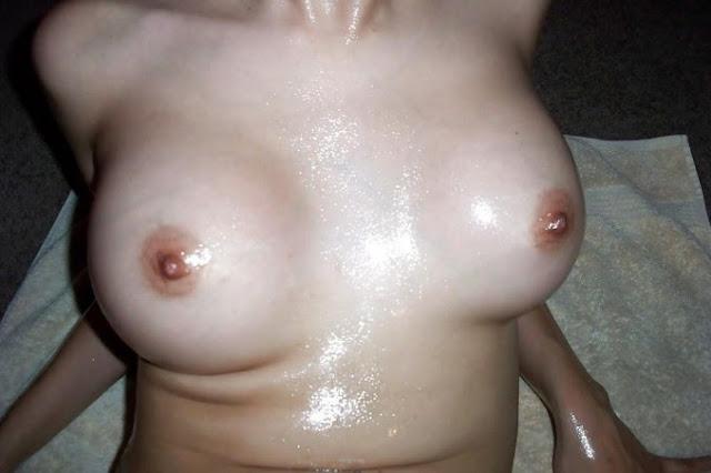 Hot And Sexy Desi Milf Posing Nude indianudesi.com