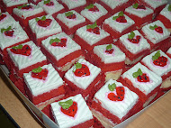 slice kek ~ RM 35.00..strawbery/kiwi/oren