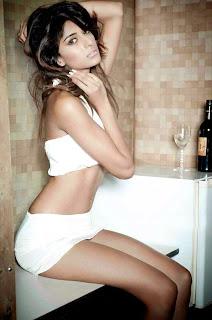 Eric Fernandes Sizzling Pics Miss India Erica Fernandes
