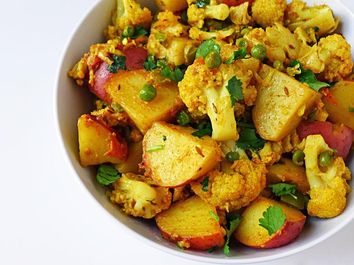 Cooking Weekends: Aloo Gobi; Potato & Cauliflower