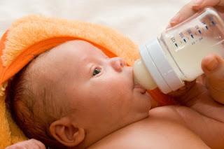alasan harus menghentikan pemberian susu menjelang tidur dengan botol atau dot