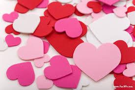 5 Tanda Tanda Pria Jatuh Cinta & Menyukai Wanita