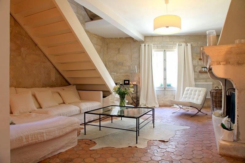 Interior deco y luz blanca en una antigua casa del s xvii decoraci n for Casa deco maison
