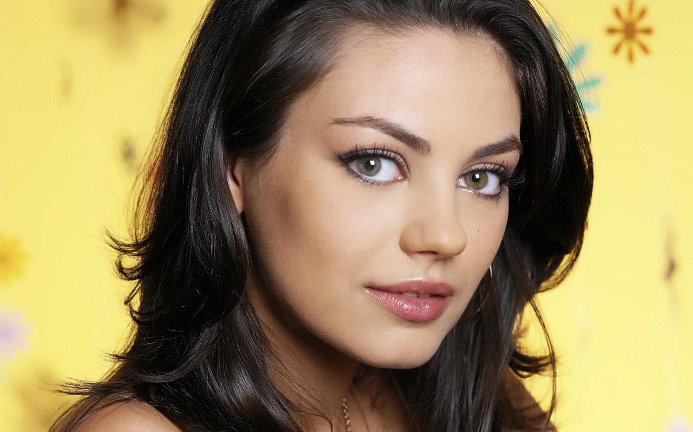 http://4.bp.blogspot.com/-cMlOot5qEI4/UEOL8ljQIAI/AAAAAAAAY2s/B2gXncddKmY/s1600/Mila-Kunis-Hot-Sexy-Pics-1.jpg