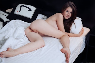 www.celebtiger.com+Eternal Bed pleasures Emily Bloom high 0041 Sweet Teen Emilly Bloom Nude On Her Bed HQ Photo Gallery