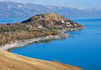 Armenia turismo lago Sevan