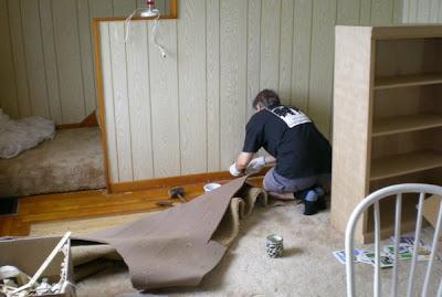 C mo enmoquetar una habitaci n hogar y bricolaje - Como poner moqueta ...