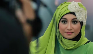 Septi Sanustika Istri Ahmad Fathanah