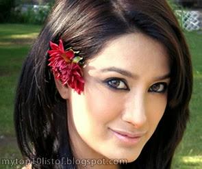 Top 10 Most Beautiful Women of Pakistan