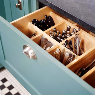 Vertical Silverware Storage