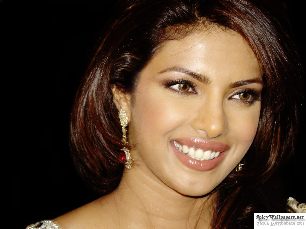 Bollywood Celebrity Priyanka Chopra Hairstyle Pictures