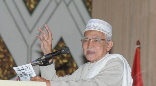 KH Abdul Aziz Manshur: Pesantren Tak Bisa diada adakan, Kalau ada Tak Bisa dihindari