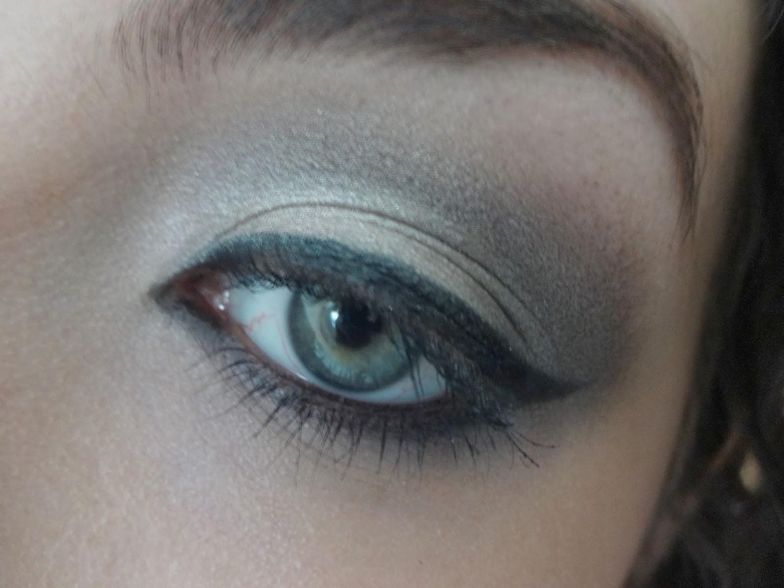 Silver And Black Smokey Eye Makeup Look Laura Bora