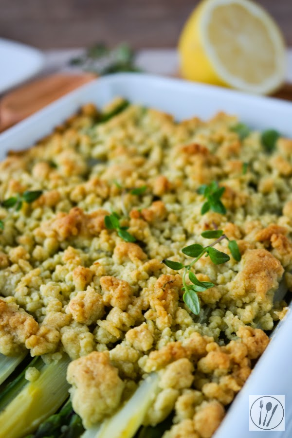 Spargel Crumble