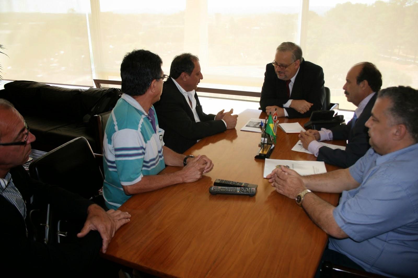 QPS E LIDERANÇA DE MINAS/BARBACENA AUDIÊNCIA COM MINISTRO RICARDO BERZOINI 7/8/14