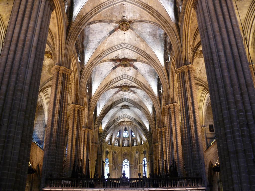 Barcelona info catedral de barcelona for Catedral de barcelona interior
