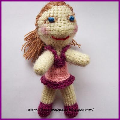 Malowana lala - szydełkiem:)