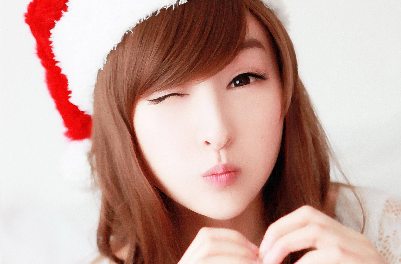 http://4.bp.blogspot.com/-cPBB4vKEduw/TVlpbYuJtfI/AAAAAAAAADE/UmECzAiKZ0A/s1600/lin-ketong-cute-girl-wallpaper_1598x1056_84133.jpg