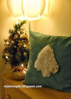 zimowa poduszka ozdobna poszewka zielona biała choinka falbanki jak śnieg Boże Narodzenie święta