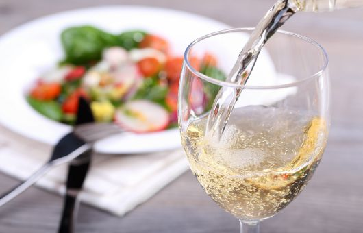 Before-Dinner Drink Can Make You Eat More