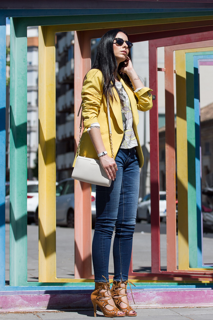 Blogger de moda Valenciana con Look sofisticado chic con jeans Meltin Pot y sandalias abotinadas con cordones