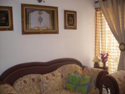 hiasan dalaman ruang tamu rumah teres http://fahimazliana.blogspot.com