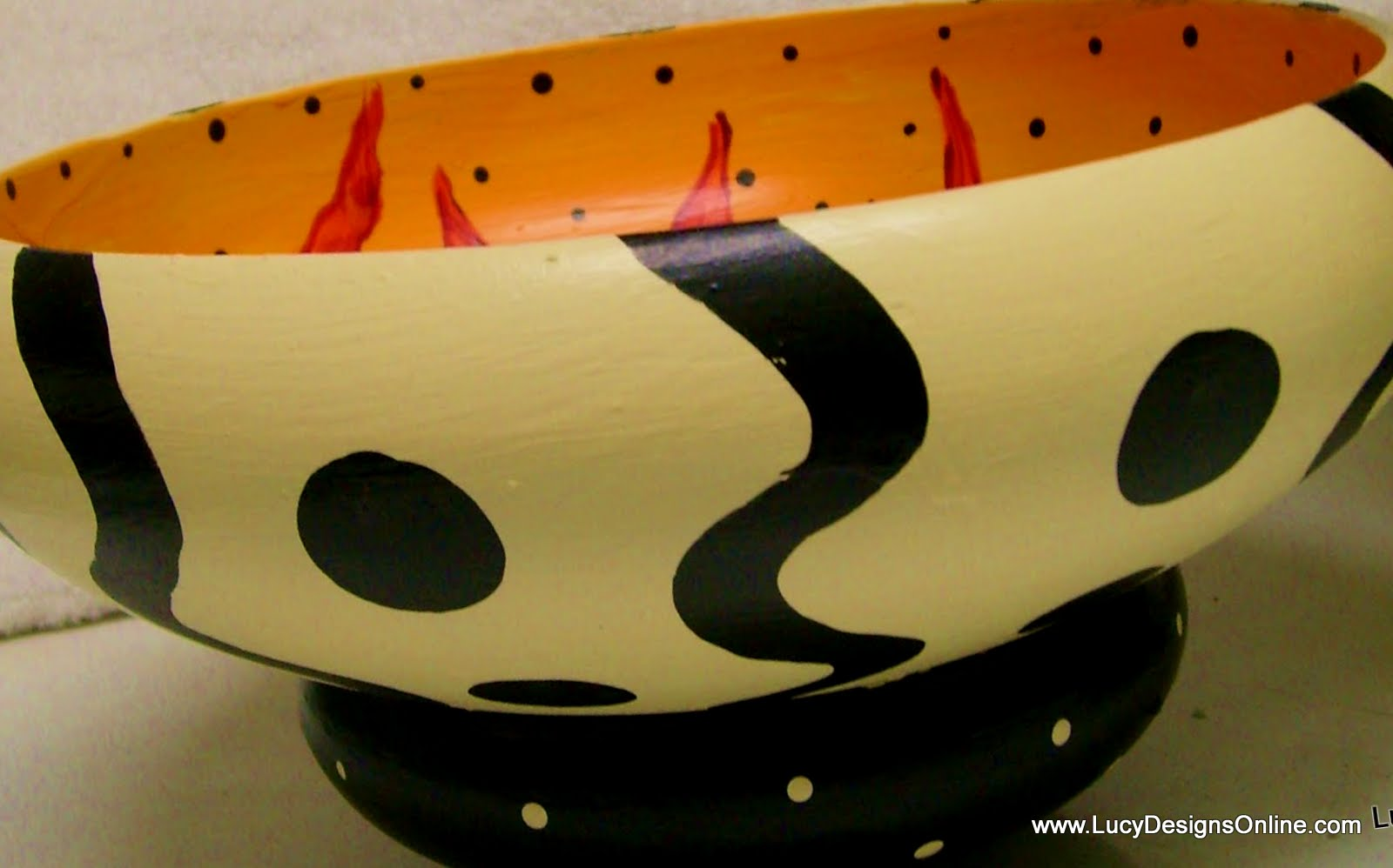 hand painted black and white zinnia bowl