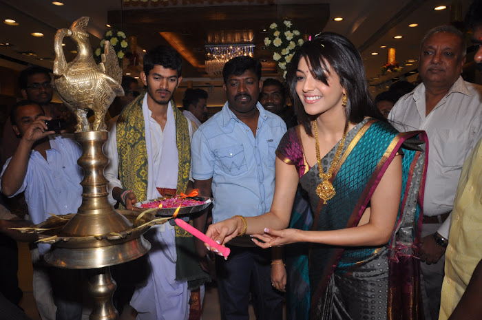 kajal agarwal in saree at chennai shopping mall launch glamour  images