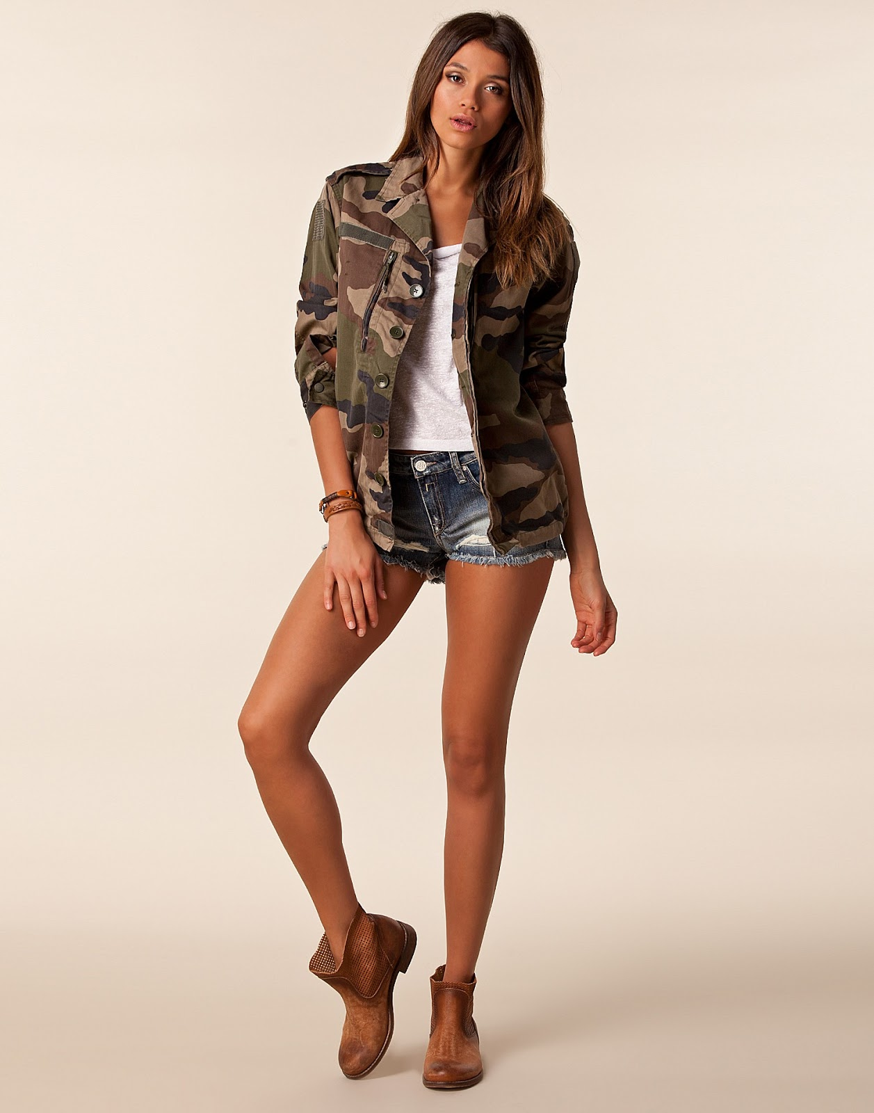 tendance mode army veste camouflage femme arm e francaise mode vintage. Black Bedroom Furniture Sets. Home Design Ideas