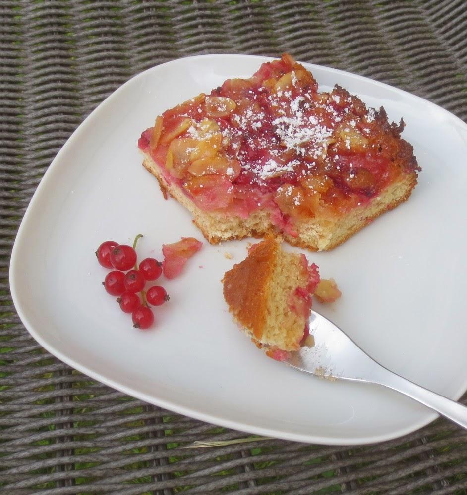 Johannisbeer-Marzipan-Butterkuchen
