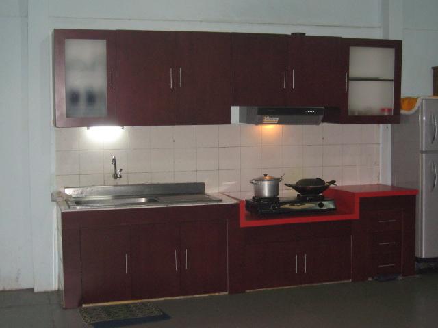 Abequeachak lemari bawah tangga kitchen set for Lemari kitchen