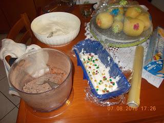 gelato  senza gelatiera di panna  cioccolato e  canditi