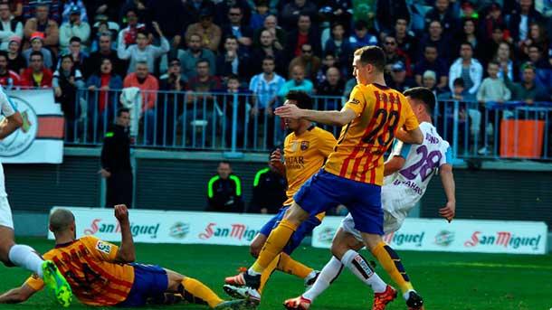 Mathieu fue la cara y Vermaelen la cruz del FC Barcelona ante el Málaga