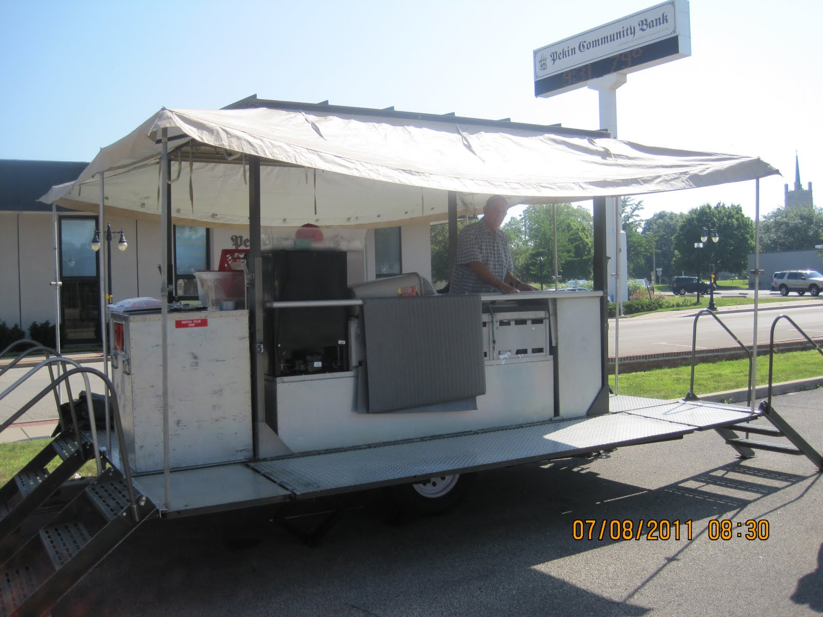 Mike 39 S Knot Just Ribs Onsite Mobile Bbq Catering Mobile Kitchen Trailer