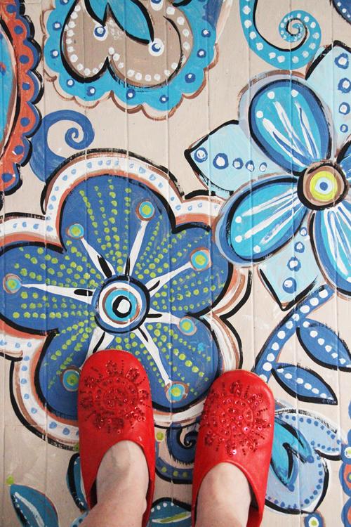 suelo pintado efecto mosaico terminado. DIY