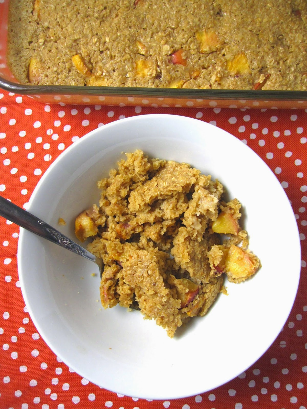 Ginger Nectarine Baked Oatmeal. Fall summer healthy vegetarian breakfast