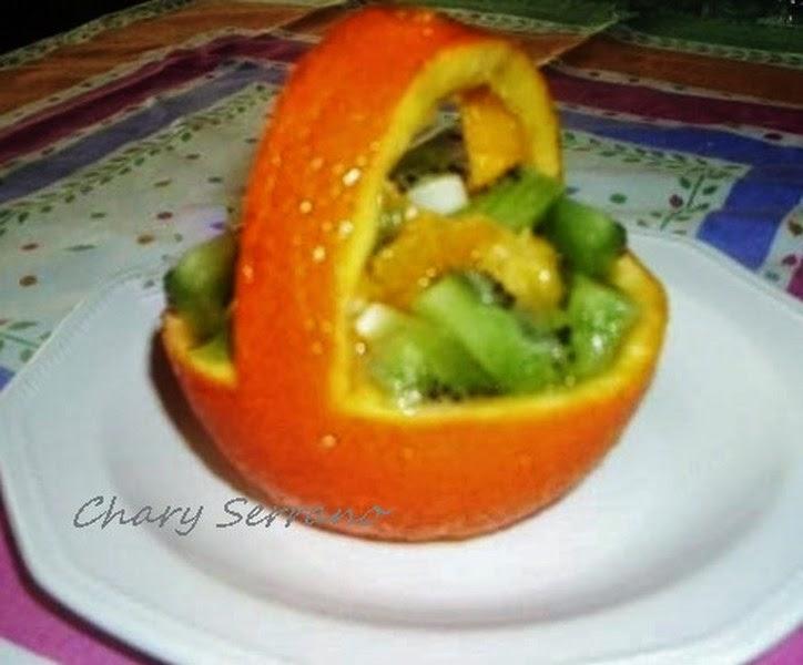 Cestita De Naranja Rellena De Fruta