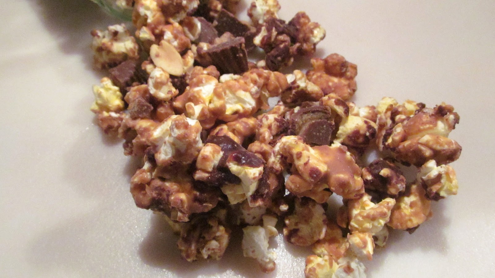 The Freshman Cook: Reese Cup Popcorn!